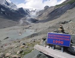 Ledovec Pasterze - výška ledovce v zimě v roce 1990