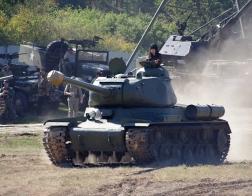 14. tankový den v Lešanech 2016 - tank typu IS