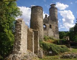 České středohoří - zřícenina hradu Kostomlaty (jinak také Sukoslav)