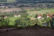 Cesta na Drábské světničky - pařez má nádherný výhled