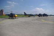 Helicopter show 2018 - ukázkové stroje, v popředí helikoptéra Enstrom 480B