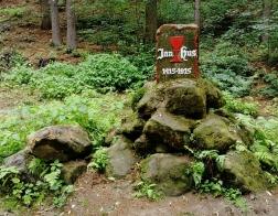 Kokořínsko - pomník Jana Husa