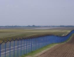 Letiště Praha - pohled ze směru od Středokluk