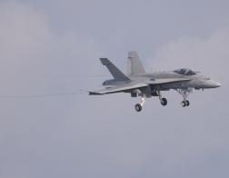 NATO days 2014 - vysoká pilotáž F-18