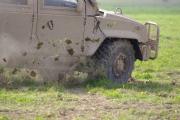 NATO days 2014 - ukázka obrněné techniky v terénu