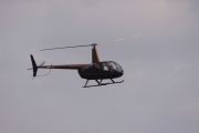 NATO days 2014 - k dispozici byly i civilní helikoptéry s možností průletu nad okolím