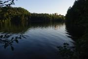 Ráno u jezera Alpsee, v pozadí zámek Hohenschwangau