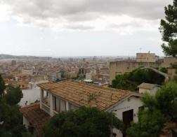 Výhled na Barcelonu z parku Güell