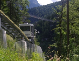 Rakousko - lanovka, která vás vyveze téměř až ke zřícenině Ehrenberg