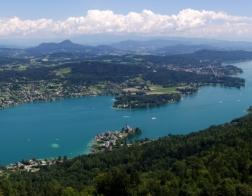 Rakousko - výhled z rozhledny Pyramidenkogel