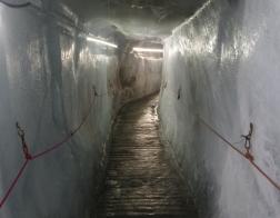 Rakousko - údolí Kaunertal, ledovcová jeskyně