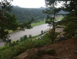 Saské Švýcarsko - výhled na Labe z prvního výstupu