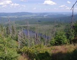 Šumava - výhled na Plešné jezero a Lipno