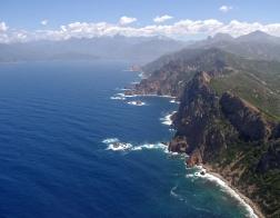 Korsika - výhled z Capo Rosso