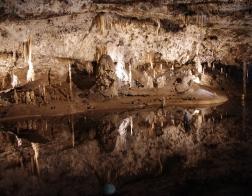 Tapeta na plochu Punkevní jeskyně